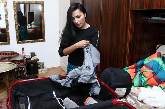 Balení zavazadla Anife vysílilo.