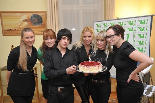 Basiková a Kristelová oslavily šesté výročí hubnoucího salónu.