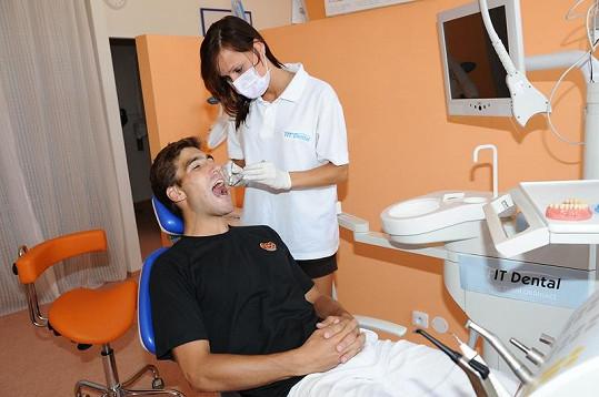 Olympijský vítěz vmoderním pětiboji David Svoboda podstoupil zubní vyšetření.