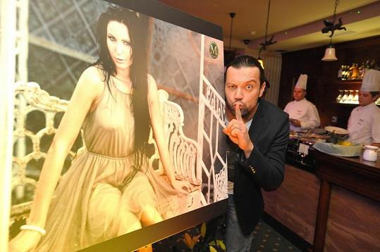 Ruda z Ostravy zapózoval s fotografií své přítelkyně.