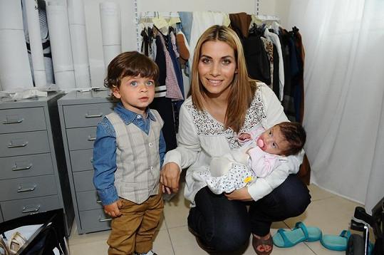 Eva Decastelo se synem Michalem a dcerou Zuzankou.