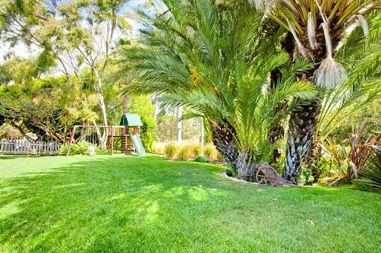 Největší výhodou nemovitosti je velká zahrada.