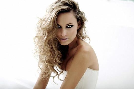 Zuzana Rosáková je velmi krásná.