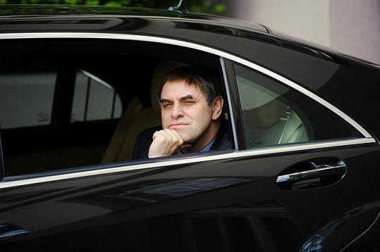 Miroslav Táborský si zahrál i v seriálu Ambasáda.