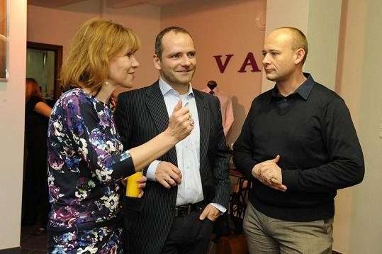 Slavným dámám v obchodě asistoval samotný ředitel společnosti Jiří Vávra a nechyběl ani organizátor Muže roku David Novotný.