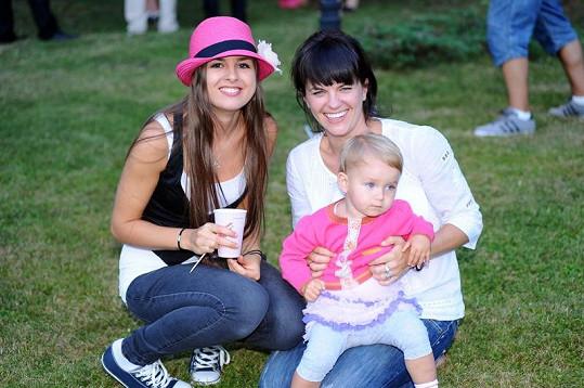 Eliška a Marta s nejmladší sestřičkou Anežkou.