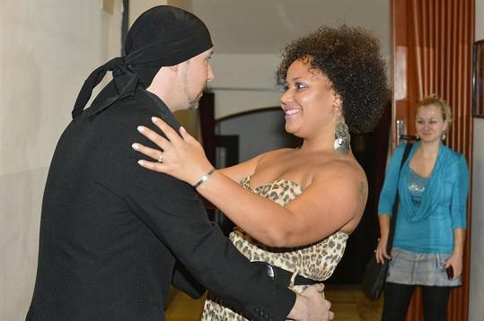 Bohuš Matuš se vítá s Madalenou Joao.