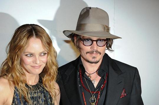 Johnny Depp dá své bývalé partnerce vskutku tučný obnos.