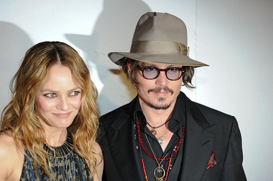 Johnny Depp a Vanessa Paradis se rozešli.
