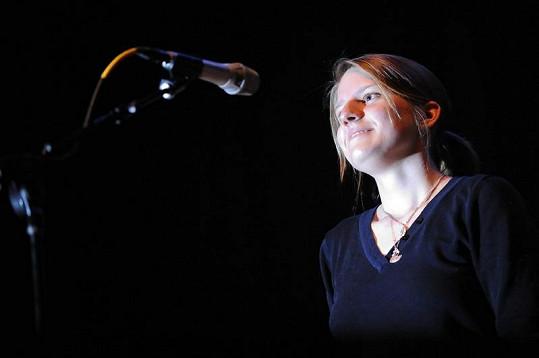 Markéta Irglová na koncertě.