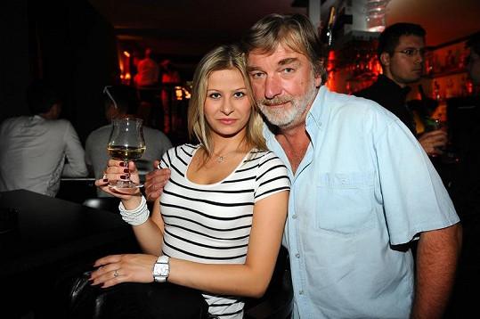 Vladimír Kratina na večírku s dcerou Dominikou.