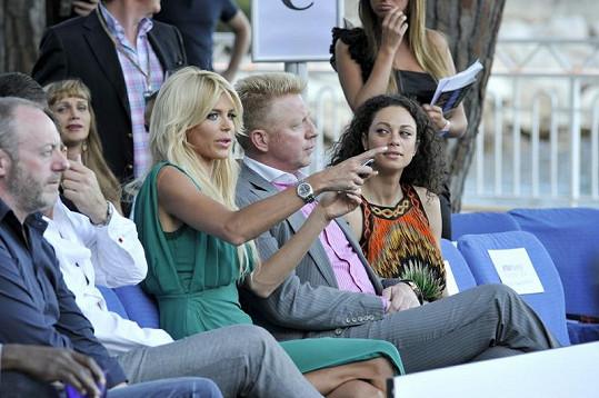Victoria s Borisem Beckerem a jeho manželkou Lilly.