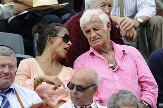 Belmondo s přítelkyní Barbarou Gandolfi.