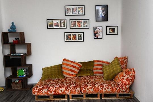 Na druhé sezení byly použity polštáře ze staršího gauče.