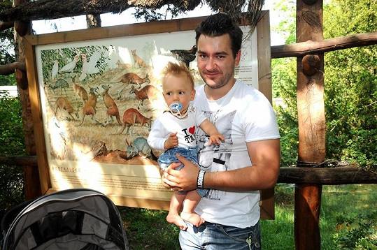 Jeho životním parťákem je hlavně jeho syn Mareček.