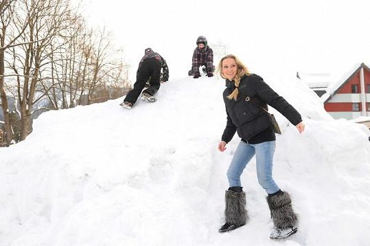 Hrátky ve sněhu.