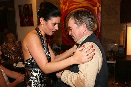 Romana s Adélou pojí velké přátelství.