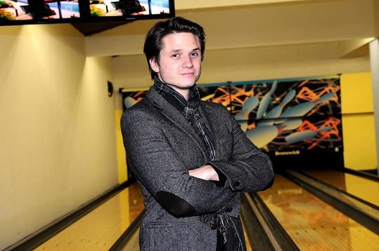 Ondřejova nová přítelkyně potvrdila, že ho má ráda, víc se o něm bavit nechce.