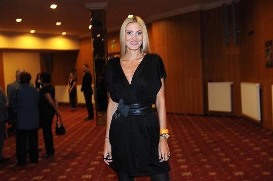 Kateřina Průšová jako modelka boduje.