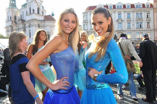 Míša Štoudková (vpravo) házela spokojená úsměvy