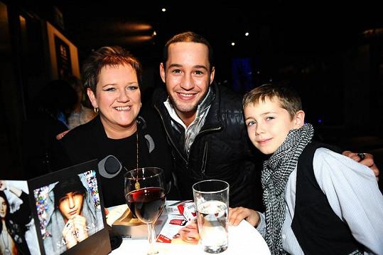 Sámer s maminkou a synovcem Marečkem.
