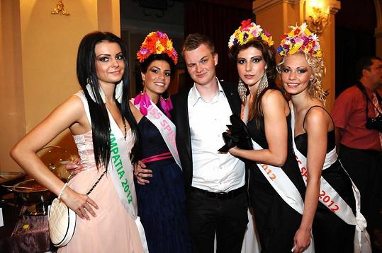 Vítězky soutěže krásy Miss Spiša se mohly snažit, jak chtěly. Kazma už má vybráno.