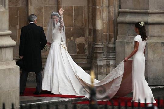Šaty Pippy Middleton by nemilosrdně odkryly každý nedostatek na postavě. Nic takového však sestra Williamovy milé nemá.
