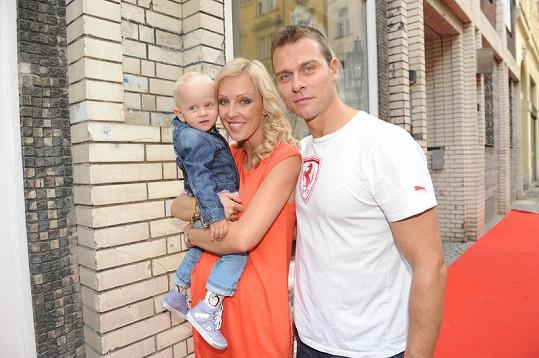Zuzana Belohorcová s dcerou Salmou a partnerem Vlastou.