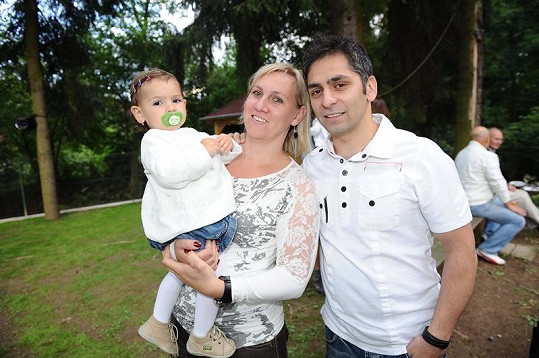 Vítěz SuperStar Vlasta Horváth (ano, skutečně stále žije!) s rodinkou.