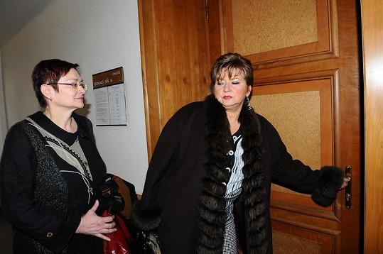 Darina Rychtářová se svou právničkou na začátku roku.