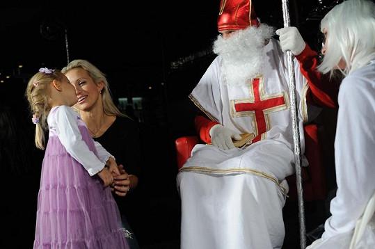 Roztomilá dcera Terezy Mátlové zpívala písničku.