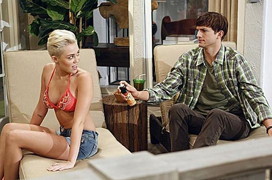 Miley v roli Missi je pořádná svůdnice.