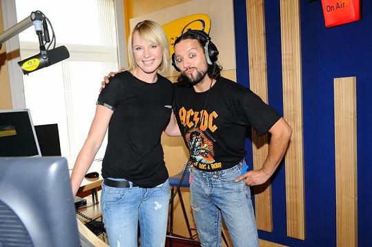 Diana Kobzanová s Rudou z Ostravy ve studiu Frekvence 1.