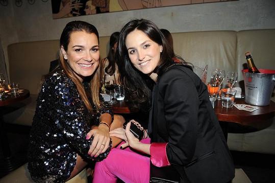Alena Šeredová se po čtyřech měsících opět setkala se svou nejlepší kamarádkou Pavlou Vrbovou.