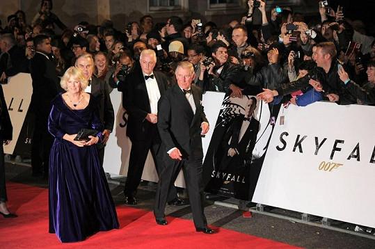 Nechyběli ani princ Charles s manželkou Camillou.