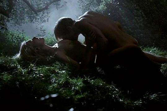 Anna Paquin jako Sookie Stackouse se v seriálu oddává sexuálním hrátkám i s Ericem Northmanem.