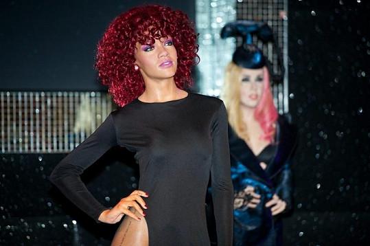 Barbadoská pýcha Rihanna jako figurína.