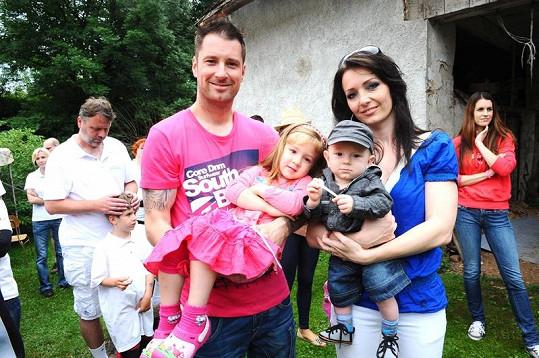 Petr Vágner přivezl celou rodinu.
