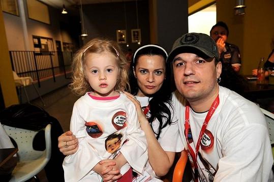 Vanda s expřítelem Alanem Bastienem a dcerou Laurou.