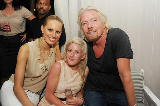 Karolína Kurková, Ellie Goulding a šéf společnosti Virgin Atlantic Richard Branson.