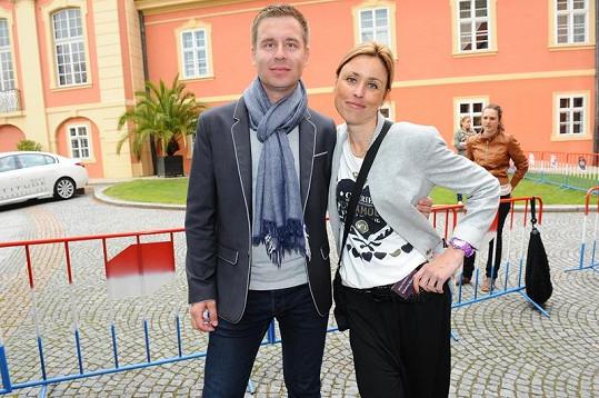 Děti herce Petra Nárožného - Petr a Kateřina, která v lednu porodila dvojčátka.