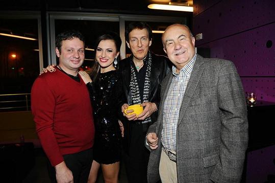 Italský producent Lucio Vacca, Pavlína Dubná, americký hudebník Richard Trifan a český hledač talentů Petr Hannig.