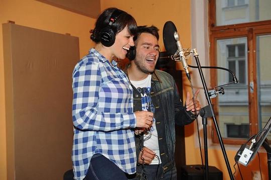 Marta Jandová a Marek Ztracený ve studiu.