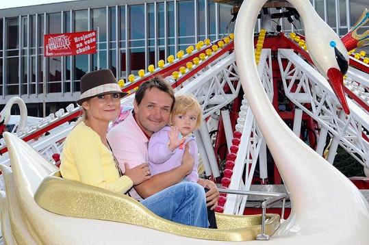 Vlasta Korec s manželkou a dcerou na pouti.