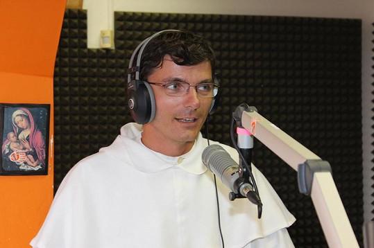 Otec Štěpán Romuald Rab se stal hvězdou rádia Fajn.