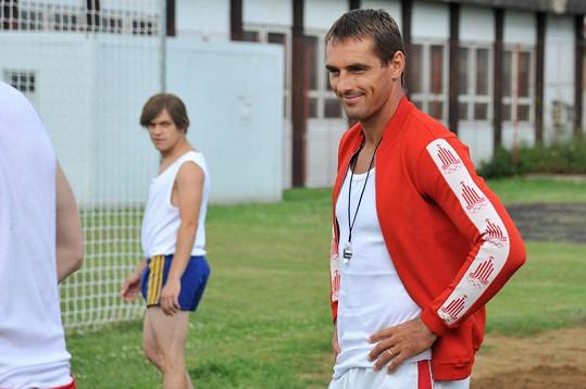 Desetibojař Roman Šebrle si s chutí zahrál tělocvikáře.