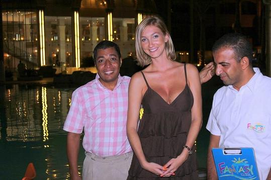 Dominika s egyptskými delegáty Khaledem a Sarwatem.
