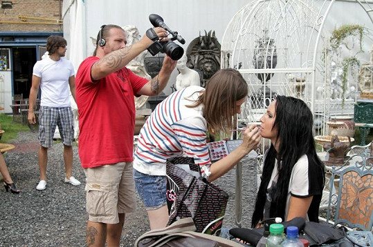 O make-up se starala vizážistka Lucie Janků.