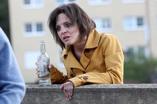 Kristýna Janáčková v náročné scéně v Cestách domů.