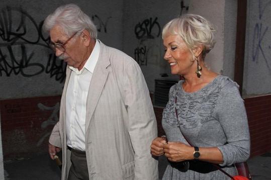 Spisovatel Ludvík Vaculík s manželkou.